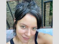 エヴァ・ロンゴリアは自宅で白髪染め! グレイヘアを公開するセレブたちに共感の声が続出