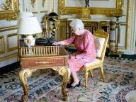 エリザベス女王、人生2回目のツイートを発信!