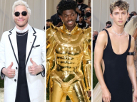 ブラックドレスに金の鎧、スウェットも! 男性セレブがメットガラのレッドカーペッドを席巻