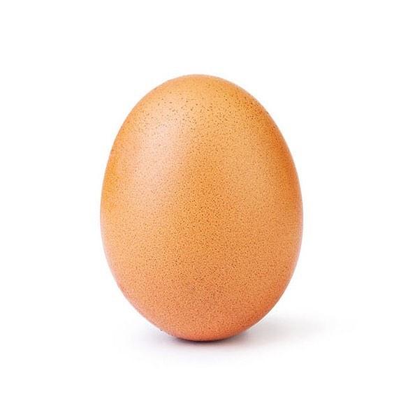 """③""""卵""""に世界最多「いいね!」記録を奪われたカイリー・ジェンナー、反撃に出る!"""