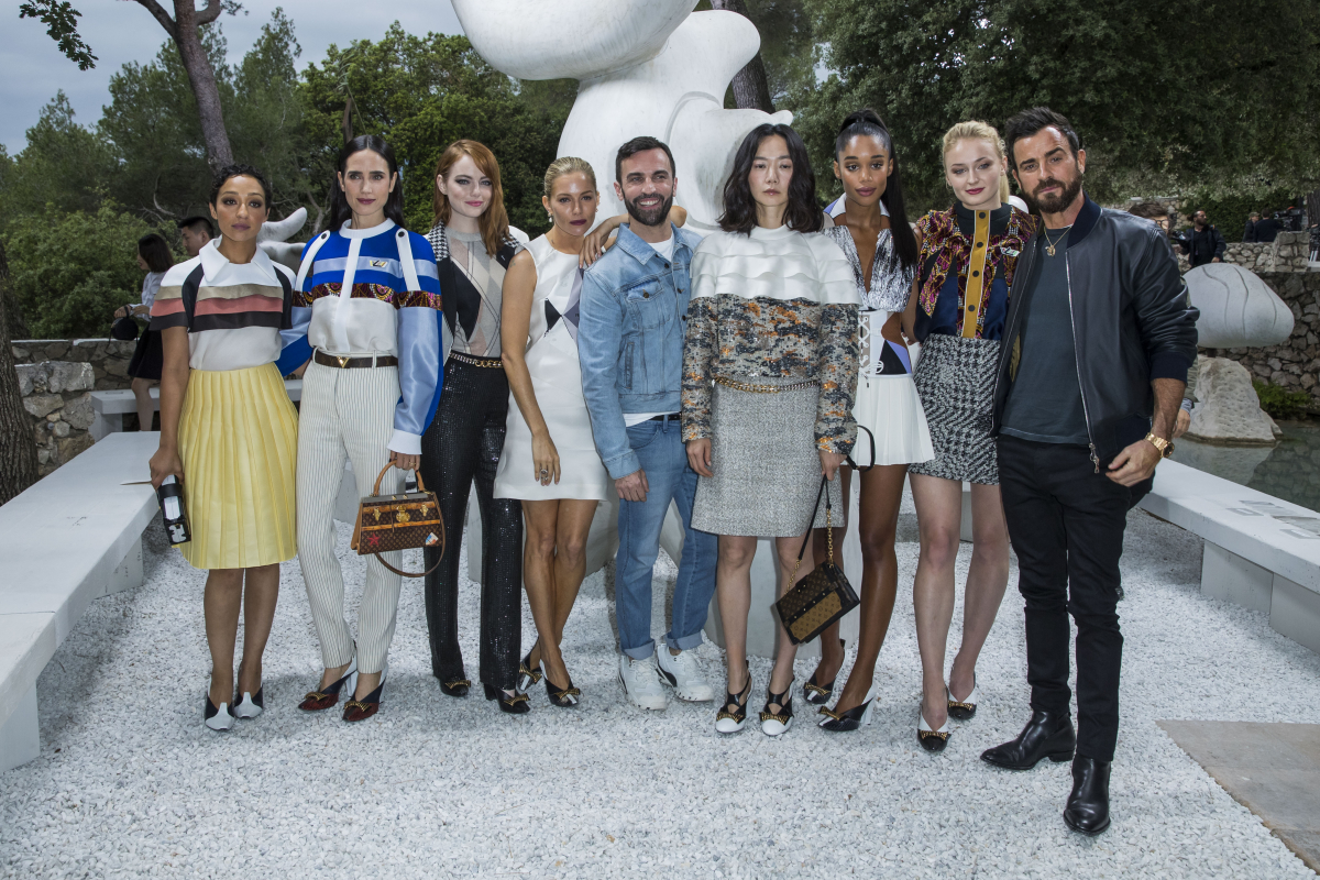 (写真右から)ジャスティン、ソフィー、ローラ、ぺ・ドゥナ、ニコラ・ジェスキエール、シエナ、エマ、ジェニファー、ルース・ネッガ。