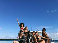 ヘイリー・ボールドウィン21歳のバースデーに、モデル仲間が集結! 豪華メンバーのビキニ写真を公開
