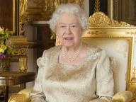 """エルトン・ジョンがエリザベス女王の""""ビンタ""""エピソードを暴露! 甥っ子相手にリアル女王様っぷりを炸裂"""