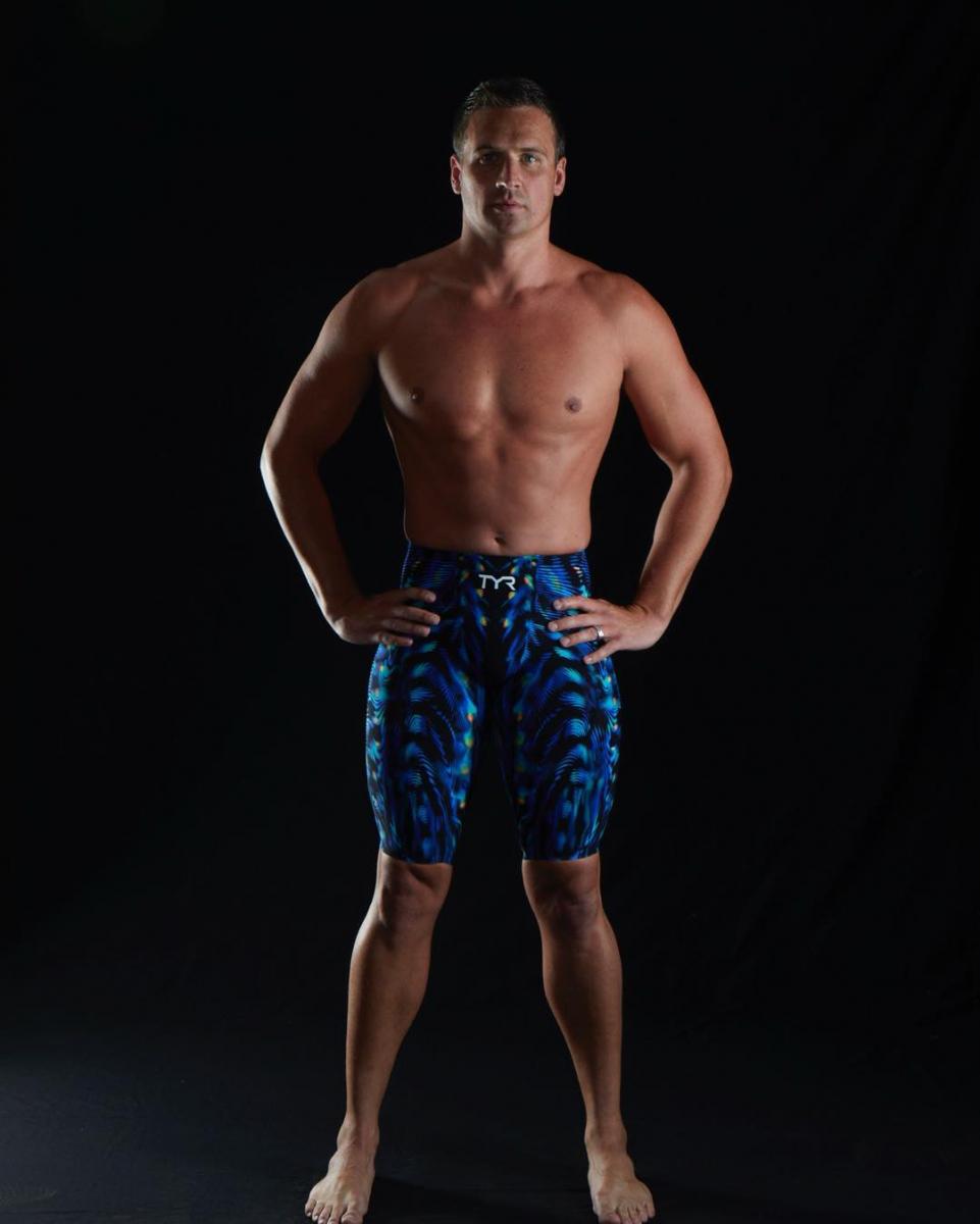 ⑦目標はオリンピック!? ジョン・レジェンド、水泳界の貴公子からレッスンを受ける