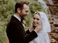 息を呑む美しさ! リリー・コリンズ、結婚報告とともにウェディングフォトを一挙公開