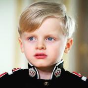 ロイヤルキッズ界を代表する美男美女! モナコ王室の双子がますますかわいく成長した姿にファン悶絶