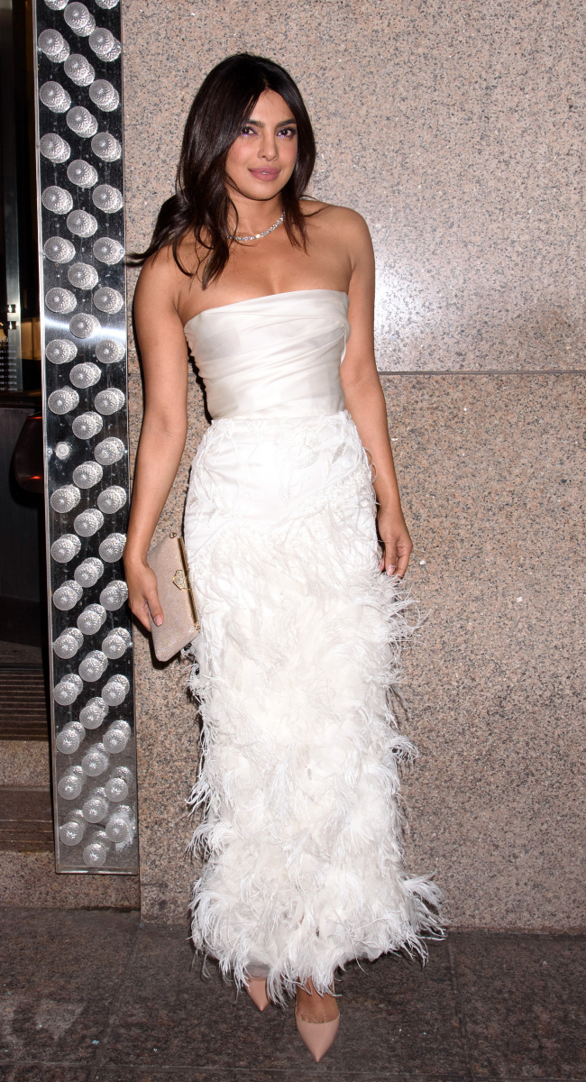 〈目玉〉①世界中がうっとり! プリヤンカー・チョープラー、純白のドレスでブライダル・シャワーへ