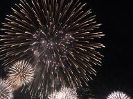 打ち上げ花火、下から見る派です。 #820 #深夜のこっそり話
