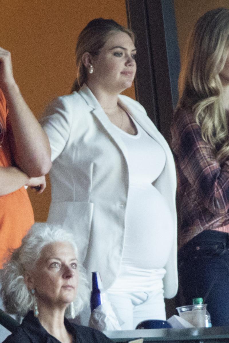 〈目玉〉①ファン仰天!? 「世界で最もホットな女性」ケイト・アプトンのマタニティ姿がまるで別人