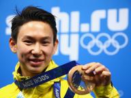 フィギュアスケート界のスターたち、デニス・テン選手との別れを惜しむ