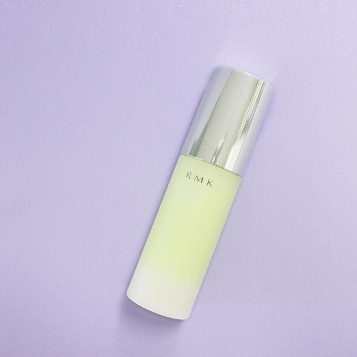 【BASE】メントール効果で清涼感を感じながら、肌をキュッと引き締める下地