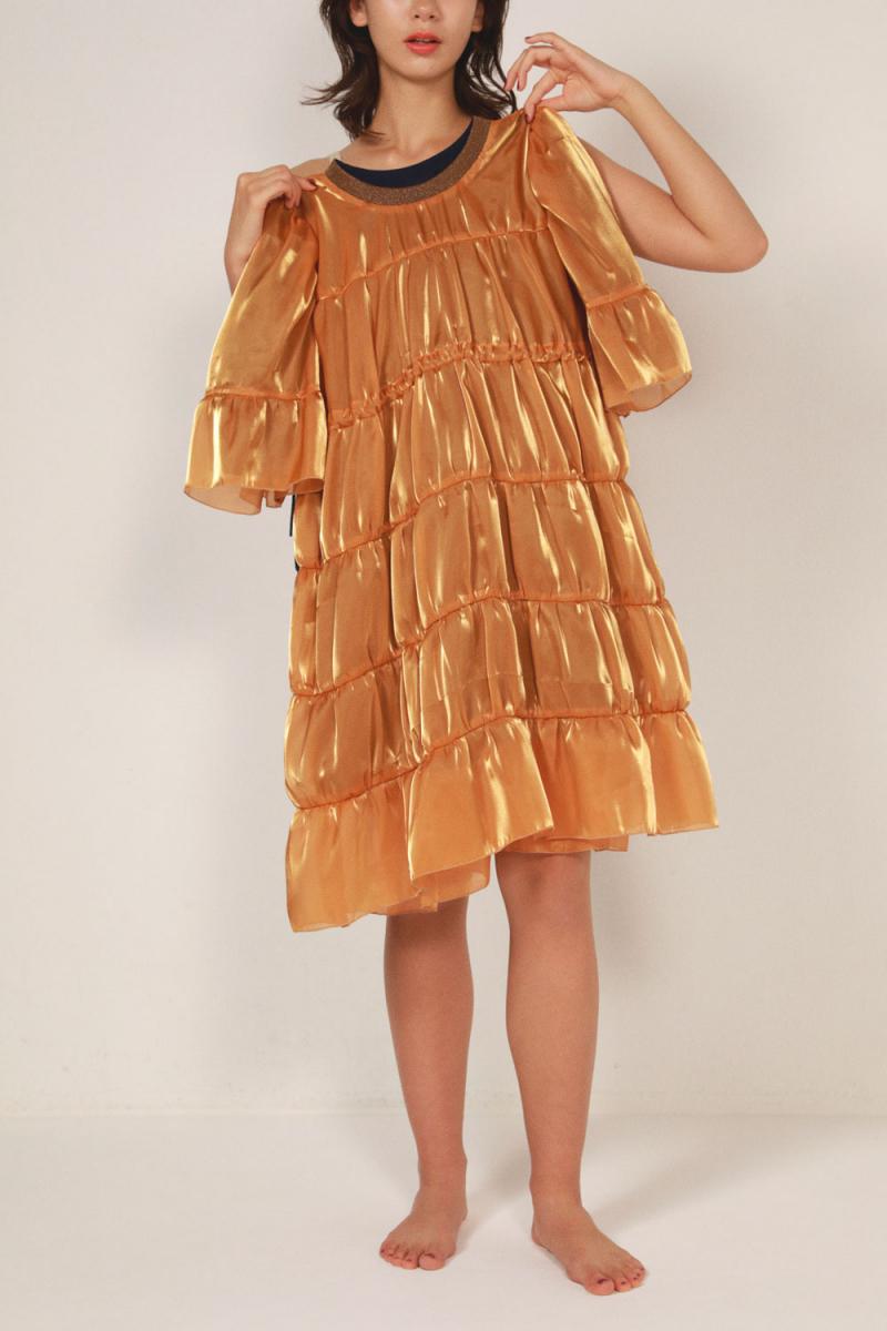 ふんわりシルエットの主役級ドレス【ノントーキョー】