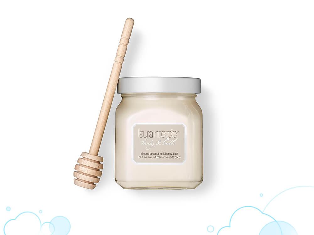【+body wash】ハチミツなどが配合されたふわふわな泡で、うるおい肌に