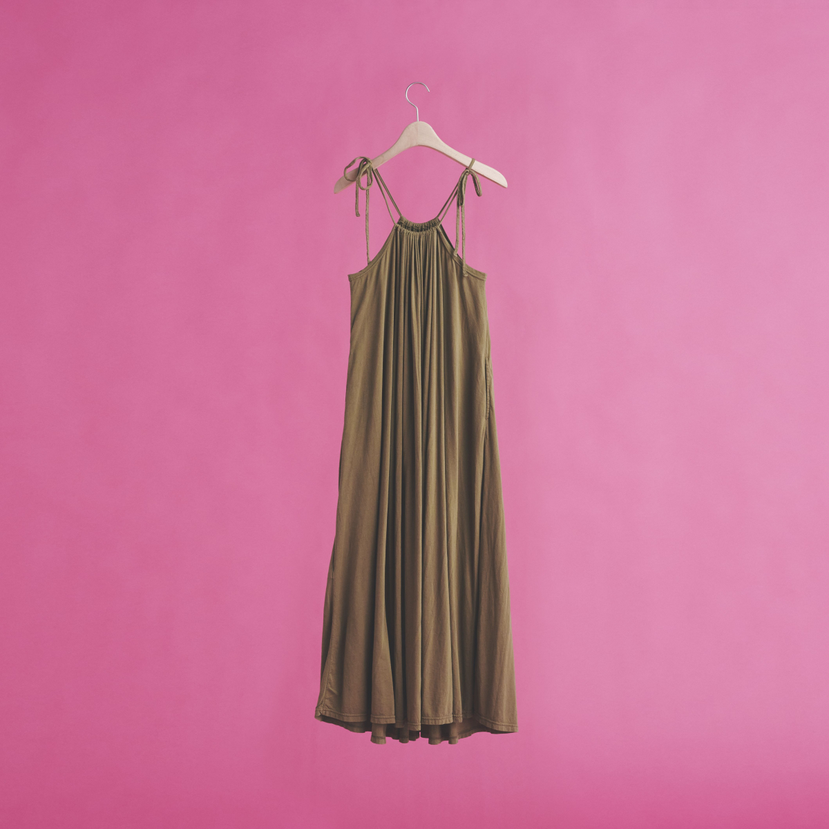 【アール ジュビリー】しなやかに馴染むとっておきのドレス