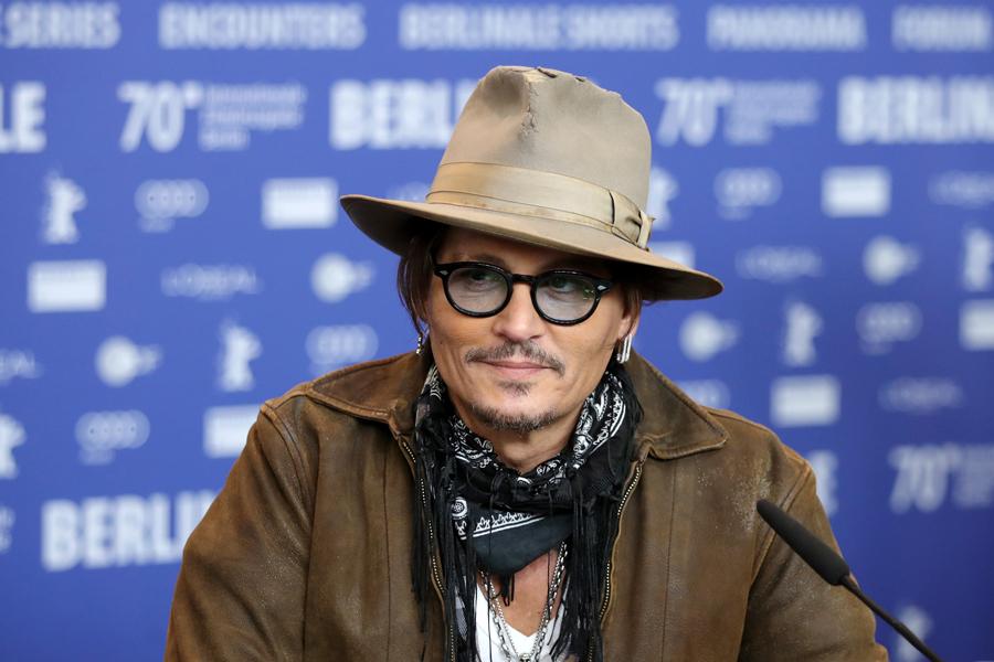 2020年2月21日(現地時間)、ドイツ・ベルリンのグランドハイアットホテルで映画『Minamata』の記者会見に出席するジョニー・デップ。