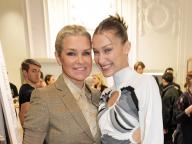 ジジ&ベラの母、ヨランダ・ハディッドがランウェイに復帰! 美しきモデル一家の共演にラブコール続出