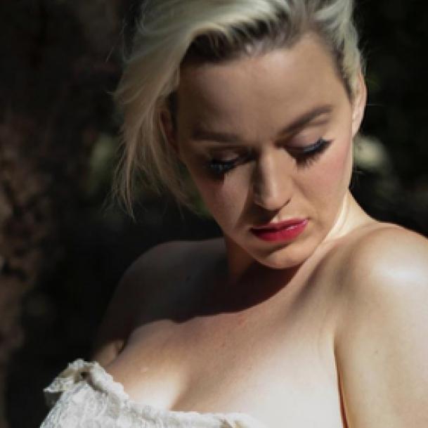 失恋&アルバムの売り上げ不振でどん底に。ケイティ・ペリー、自殺を考えていた過去を明かす - セレブニュース | SPUR