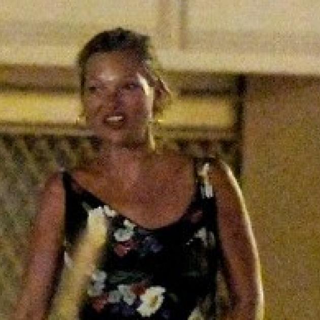 ケイト・モス、豪華ヨットを貸し切ってバカンスを謳歌! 13歳年下の恋人と娘ライラを連れてディナーへ - セレブニュース | SPUR