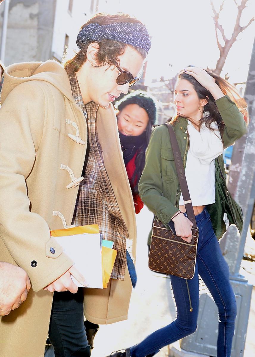 【第4位 ハリー・スタイルズ(26):約18人】  ワン・ダイレクションの中でも一番のモテ男として知られるハリー。かつては年上キラーとして多くのお姉さまたちと噂されてきただけあって、恋愛レベルはかなり高め? イットモデルのケンダル・ジェンナー(24)をはじめ、パパラッチされる相手は美女ばかり。  ちなみにケンダルは、ハリーを「体臭がひどい」と暴露。ミスター・パーフェクトと名高いハリーの意外な一面を、ファンは受け入れられなかったとか!?