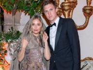 シエナ・ミラー、3度目の婚約解消!? 編集者ルーカス・ツヴィルナーとの破局が報じられる