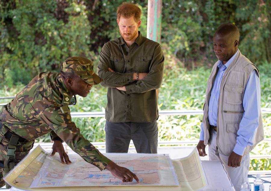 2019年9月26日(現地時間)、アフリカを公式訪問中、ボツワナ国防軍の密猟防止パトロールに参加したヘンリー王子。