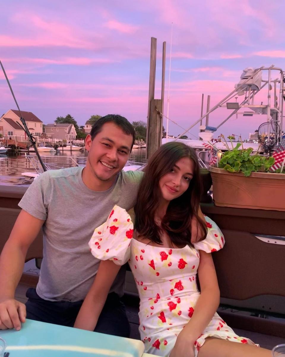 エミリオと元婚約者のレイチェル。