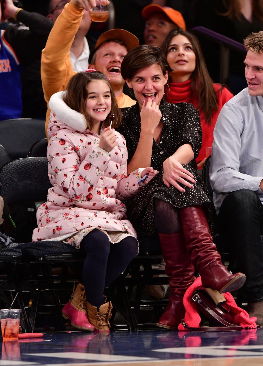 2017年、ニューヨークで目撃されたケイティ&スリ親子。娘のスリはトムにもそっくり。