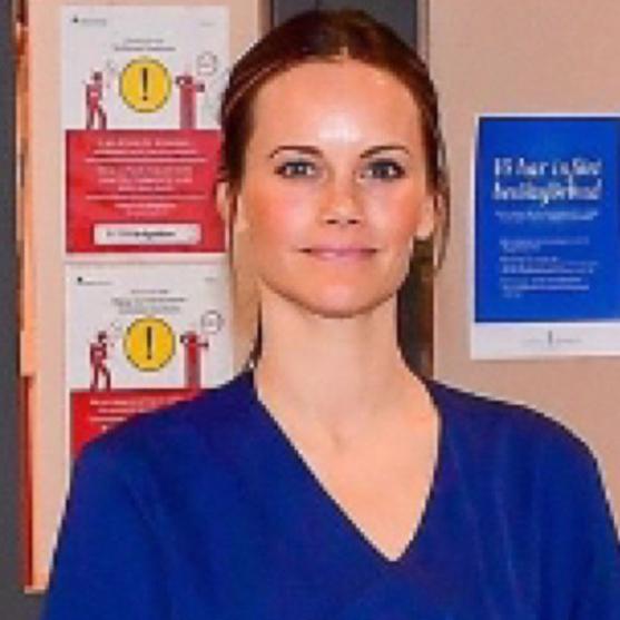 異例の行動に称賛の嵐! スウェーデン王室のソフィア妃、医療アシスタントとして病棟に勤務