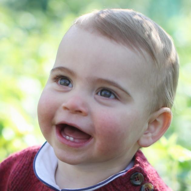 世界中がときめいた! はじめての誕生日を迎えたルイ王子、半年ぶりの最新ポートレートが公開に