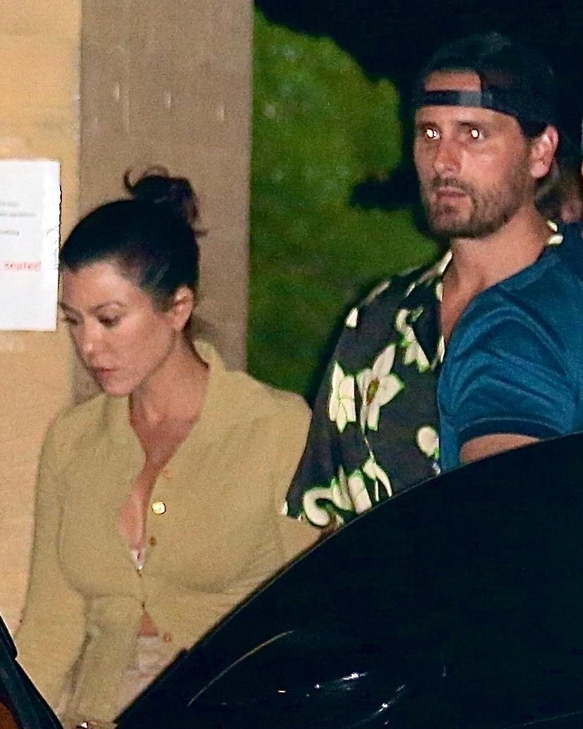 コートニーとスコットがマリブの高級レストランを訪れる姿がキャッチされた。