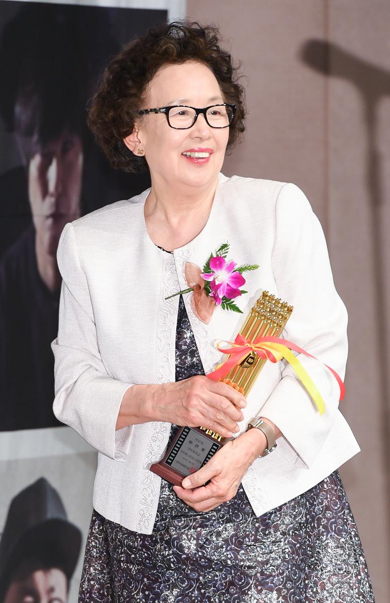 ナ・ムニ(79)/今年はイナンと夫婦役でドラマに出演