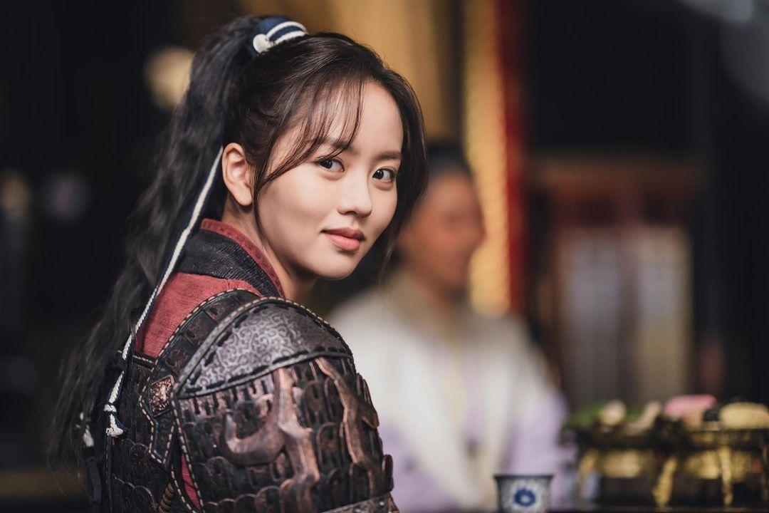 【キム・ソヒョン】月が浮かぶ川/子役からスターへの道を駆け登った若手女優