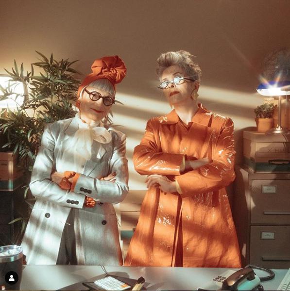 【ジーン&ヴァレリー】ライティングまで完璧に演出! 大人気のシニアブロガー