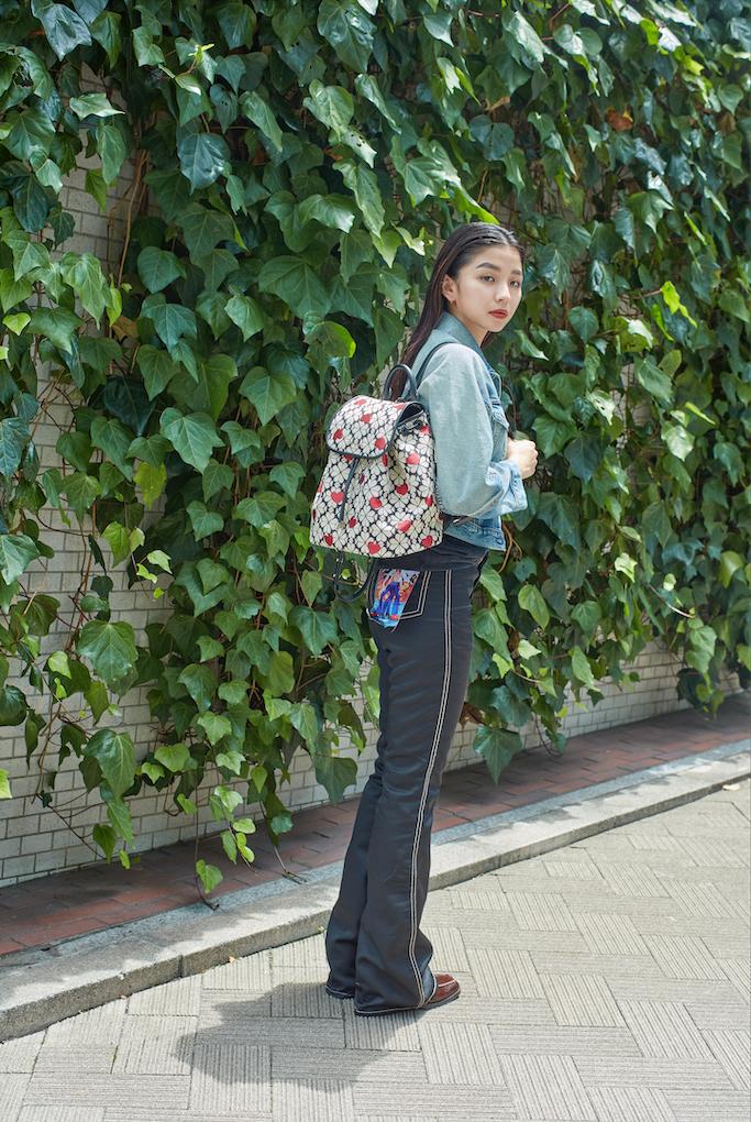 バッグ「FLAPBACKPACK medium flap backpack」〈H 33×W27×D16〉¥52,800/ケイト・スペード カスタマーサービス(ケイト・スペード ニューヨーク)
