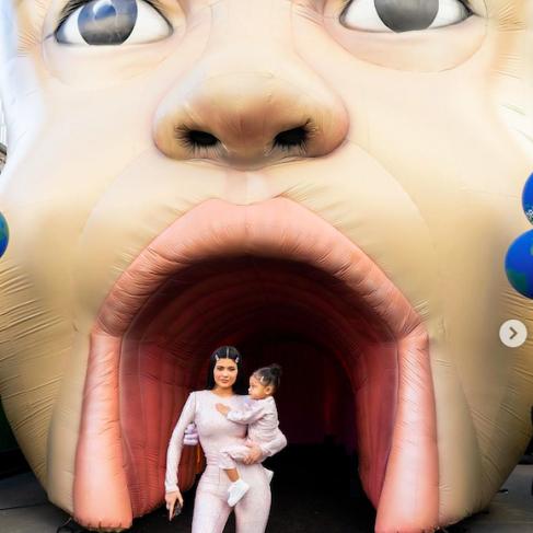 世界最年少のビリオネア! カイリー・ジェンナーの最新ビューティ&ニュース | SPUR