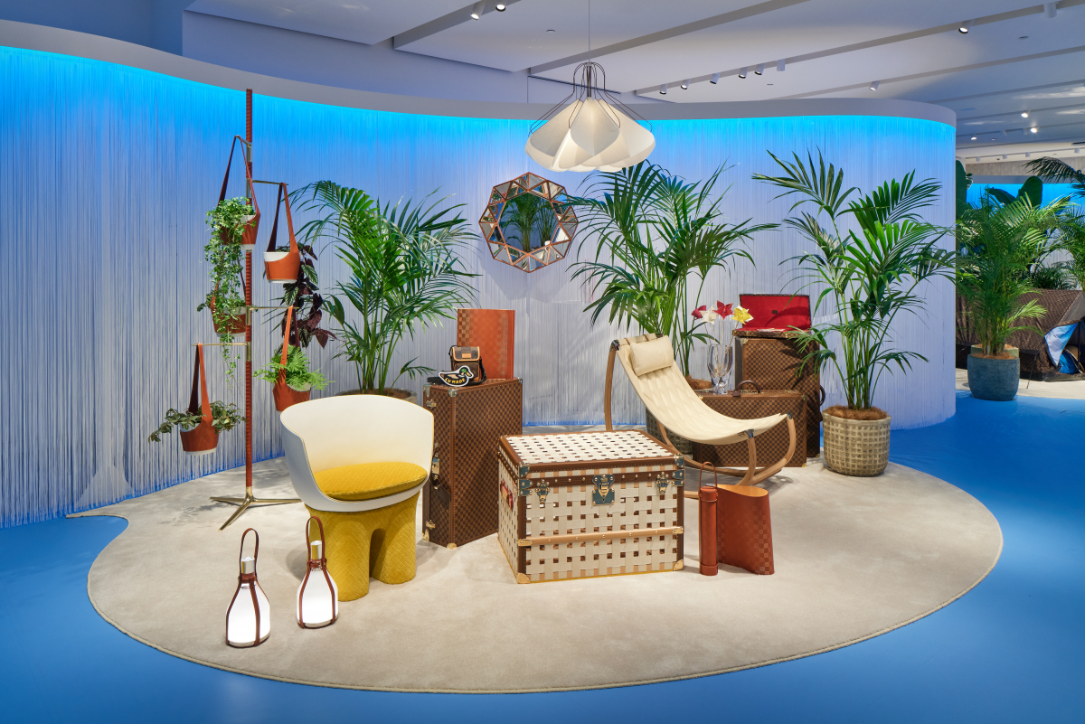 2階のイベントスペースに期間限定で並ぶ、ホーム&トラベルコレクションのオブジェ・ノマド コレクション。