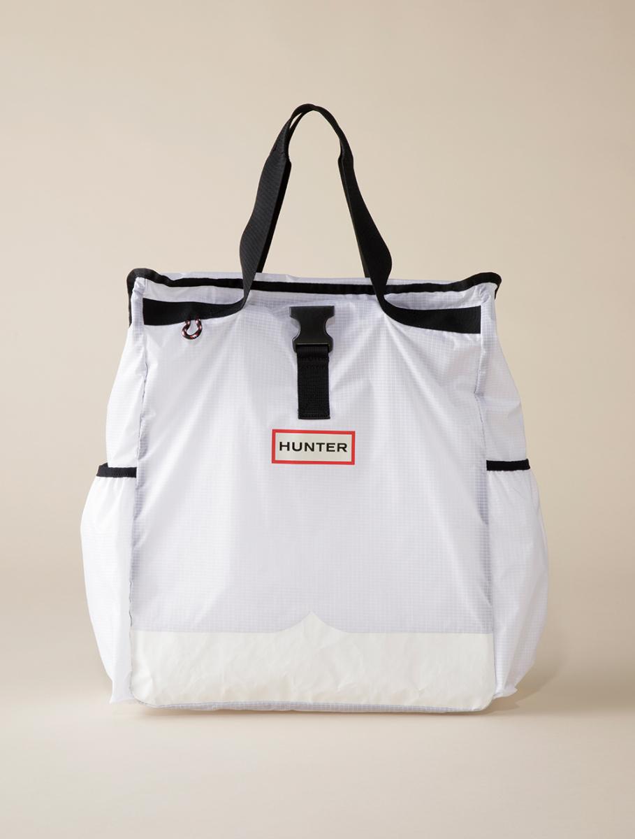 水にも強い高機能な超軽量バッグ【ハンター】