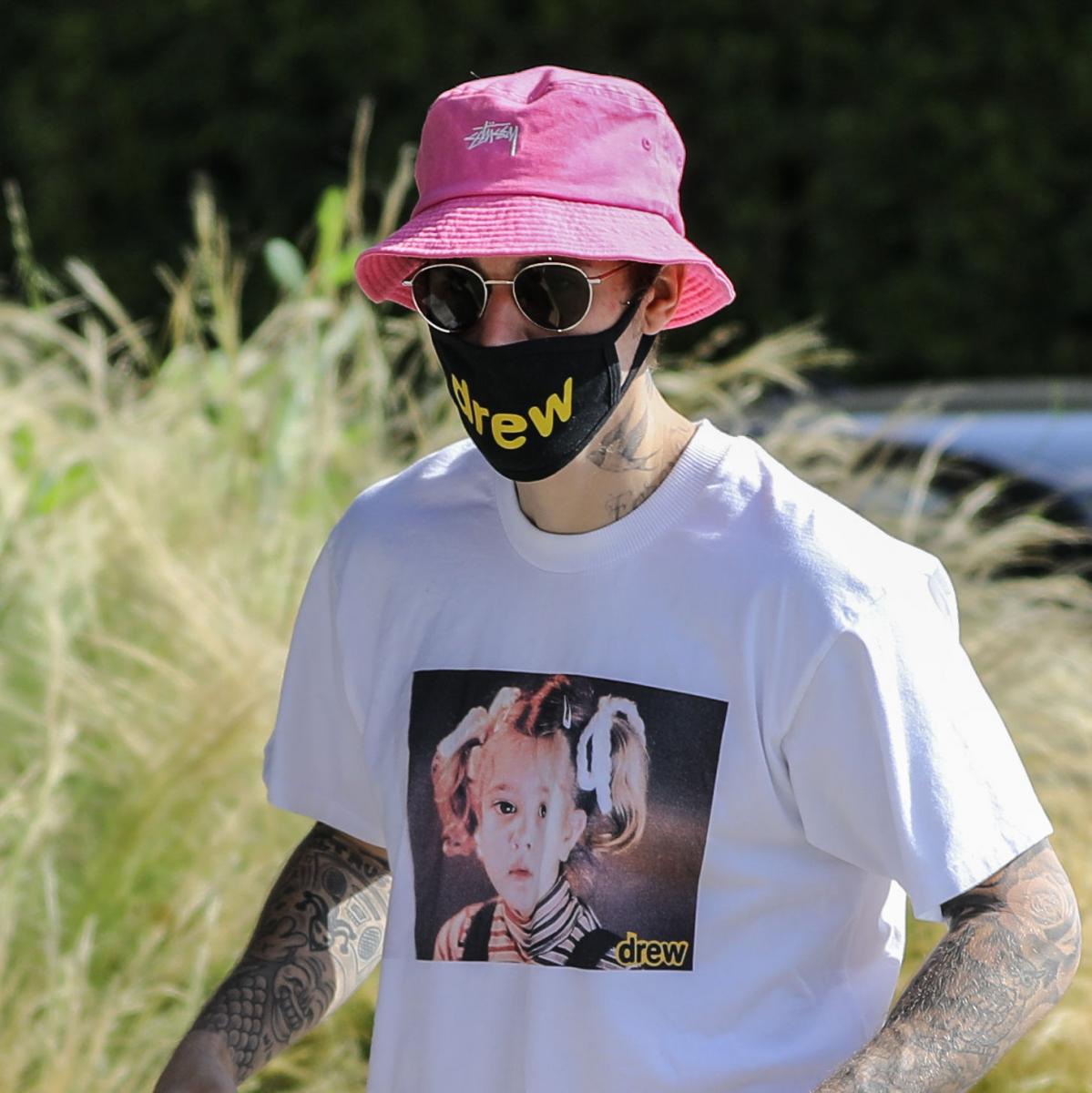 【ジャスティン・ビーバー】妻・ヘイリーと同じブランドのマスクを共用中!