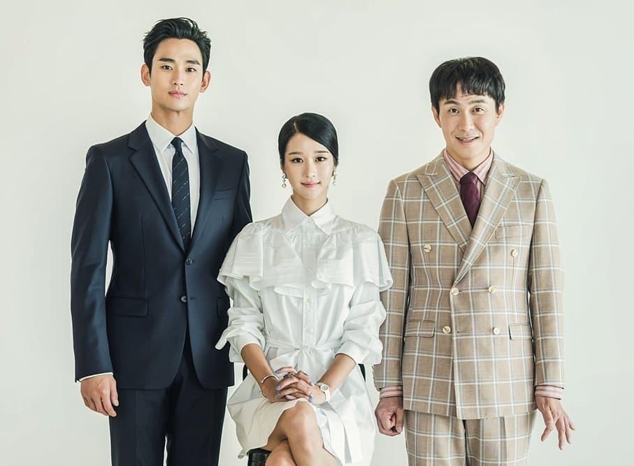 【エピソード12】記念すべき初の家族写真には、ホワイトフリルのドレスを