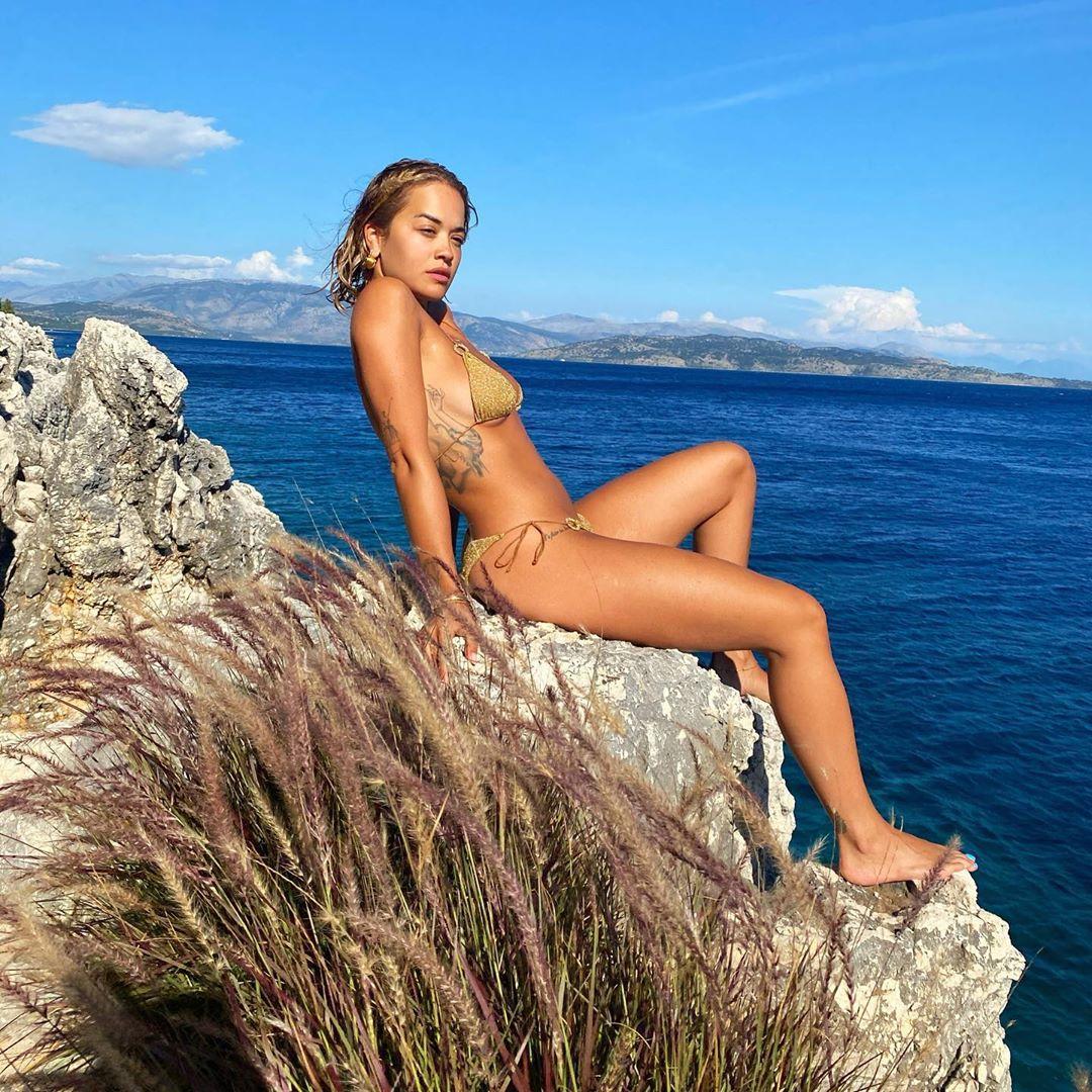 ケルキラ島でのリフレッシュ期間を過ごす