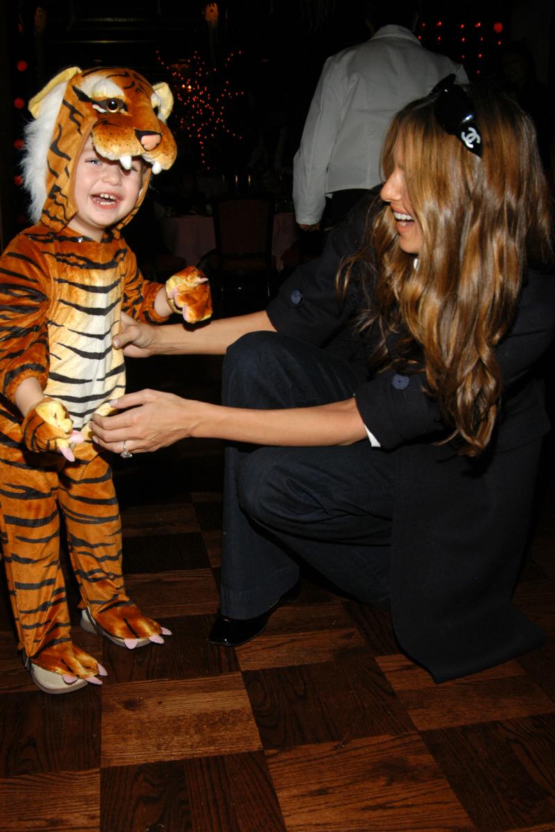 【2007年10月31日】タイガーの着ぐるみでハロウィンを楽しむバロン