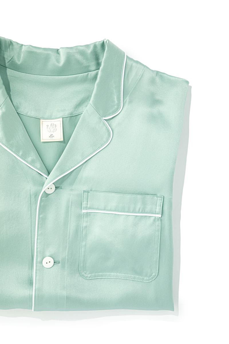 縫い目が肌に直接当たらないような縫製にしているので、裏側まで美しいのがフートウキョウのシルクパジャマの特徴。