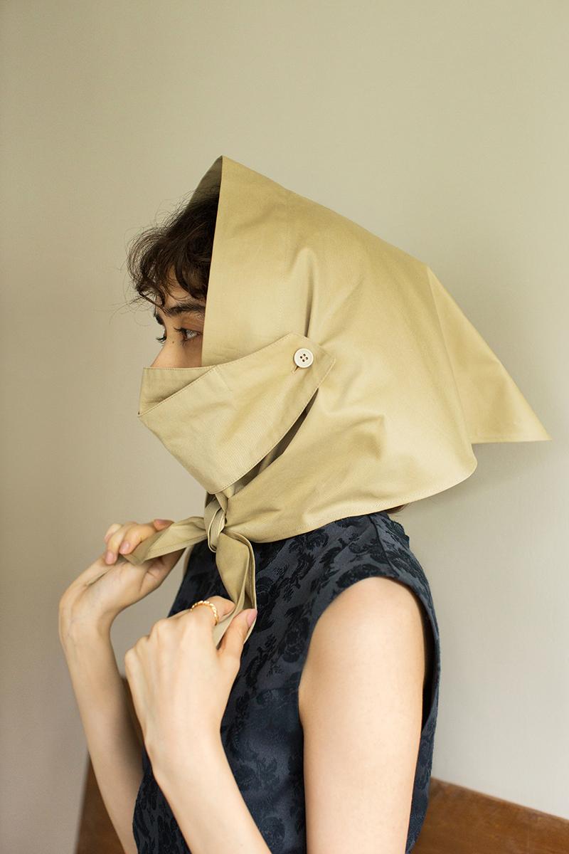 マルチウェイ スカーフ カバー ベージュ ¥12,000/ラインヴァンド