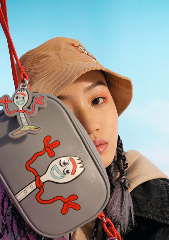 バッグ ¥1,999 (C)DisneyPIXAR/H&M カスタマーサービス