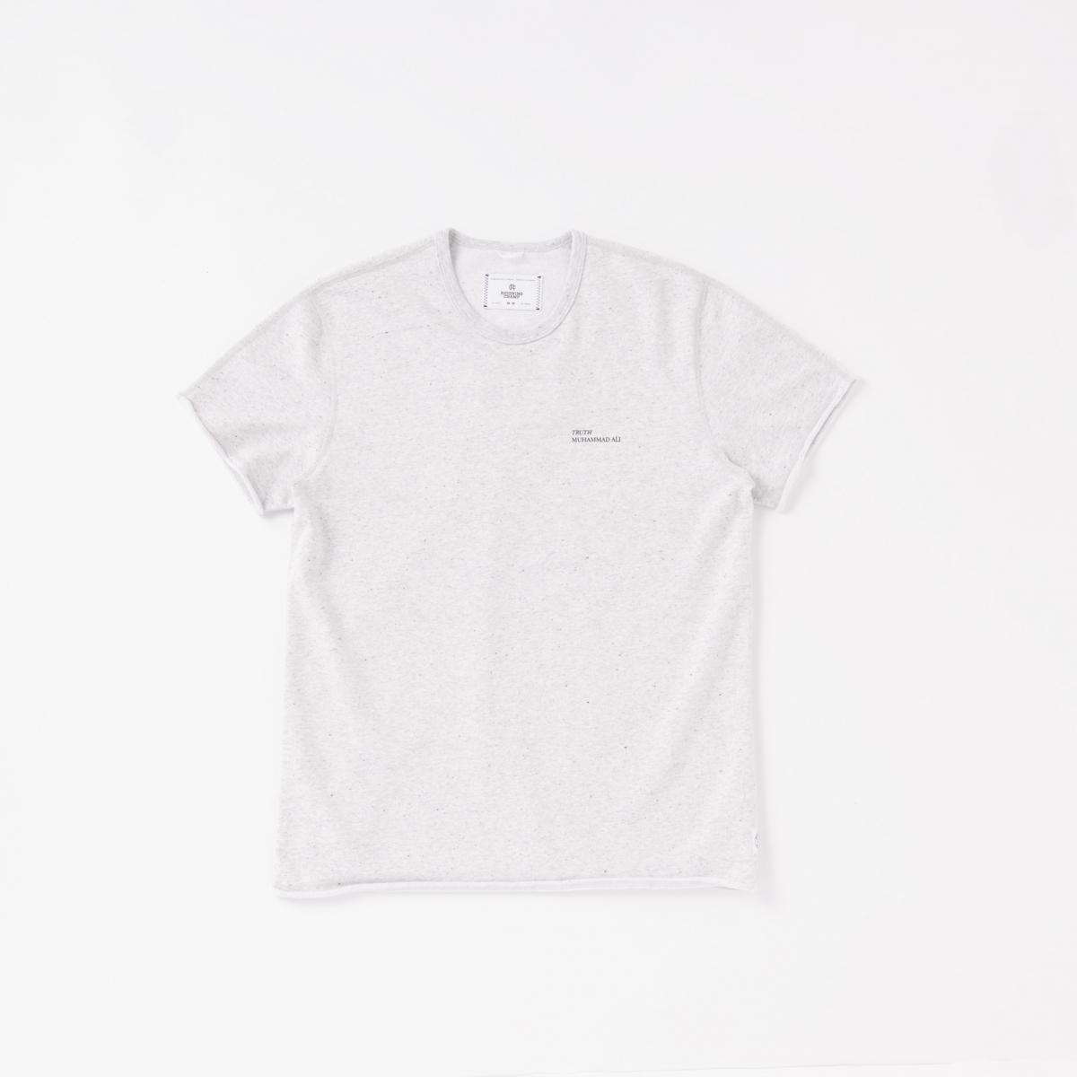 背中で語るコラボレーションTシャツ【レイニング チャンプ】