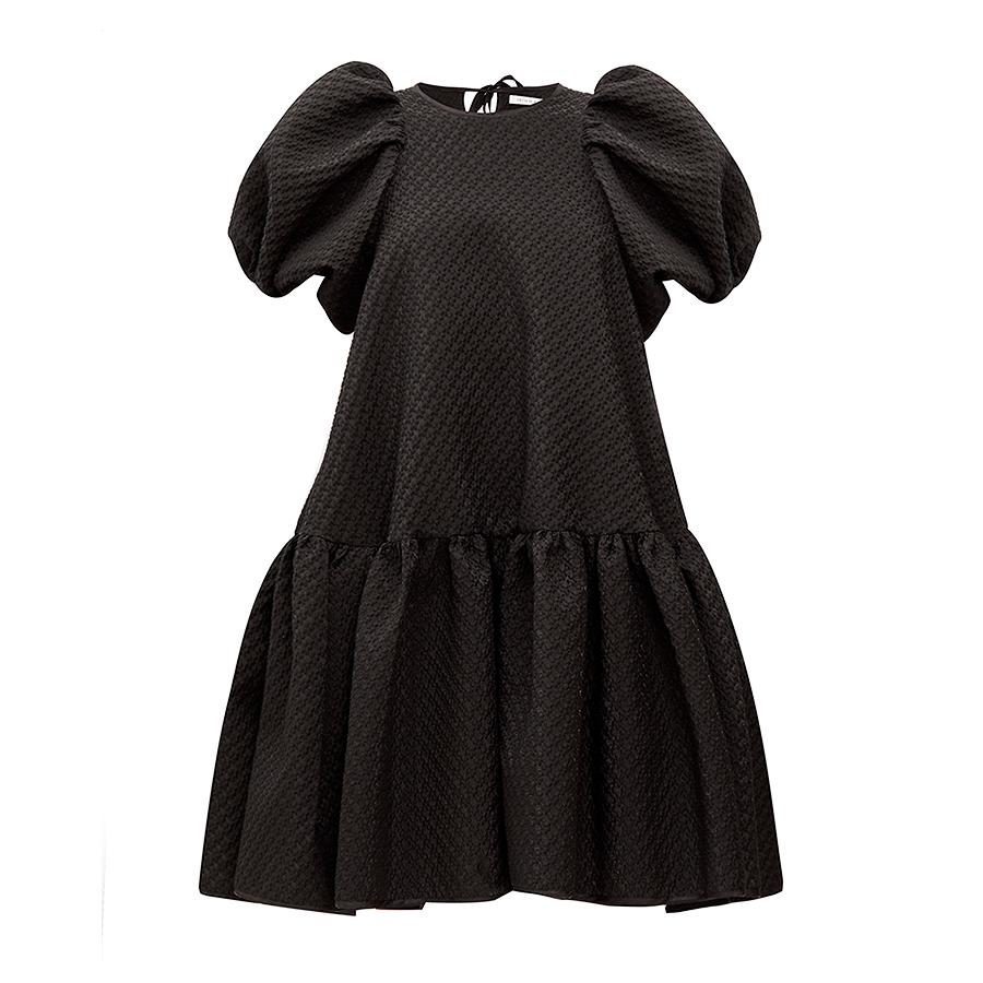 少女のように甘く、繊細な黒【セシリー・バンセン】