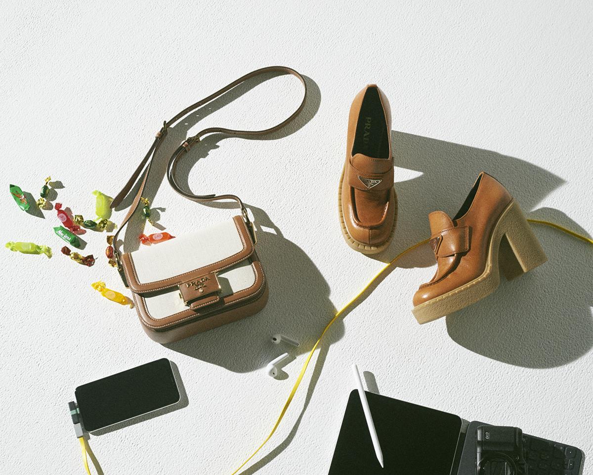 気合いを入れたい日のバッグ&シューズ【プラダ】