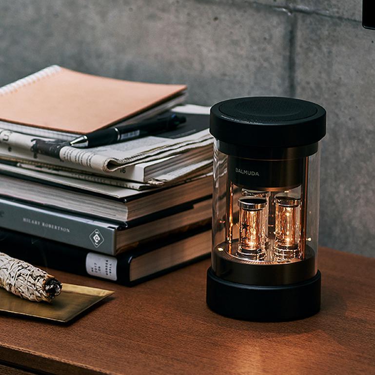 心地よい音、美しいデザイン。くつろぎの時間をワンランク上げる厳選ワイヤレススピーカー