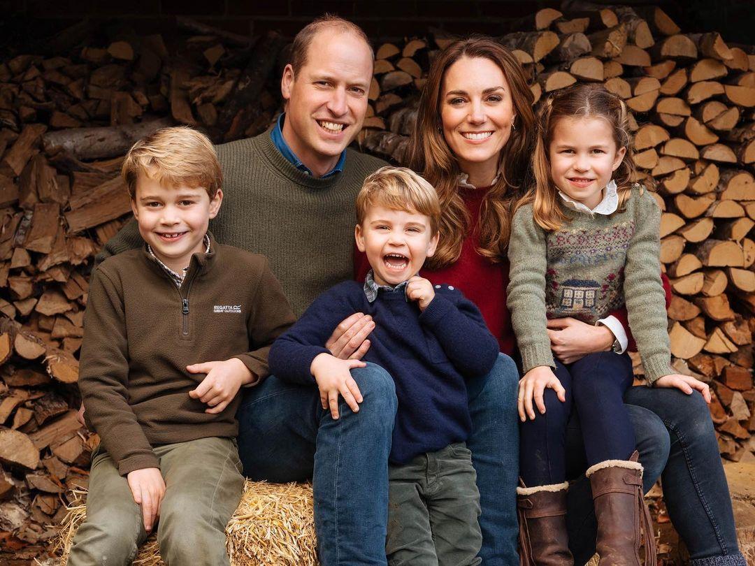 ウィリアム王子&キャサリン妃一家/愛らしい家族写真にうっとり