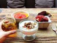 世界中で食べられる朝食の定番ヨーグルト